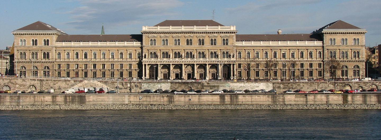 دانشگاه Corvinus - بوداپست