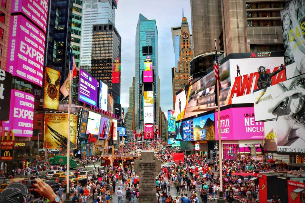 Times-Square,-New-York,-United-States