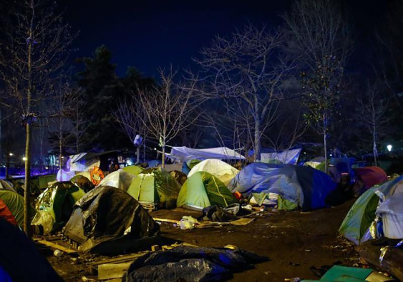 فرماندار شمال فرانسه از تخلیه کمپهای مهاجران در مناطق ساحلی دفاع کرد.