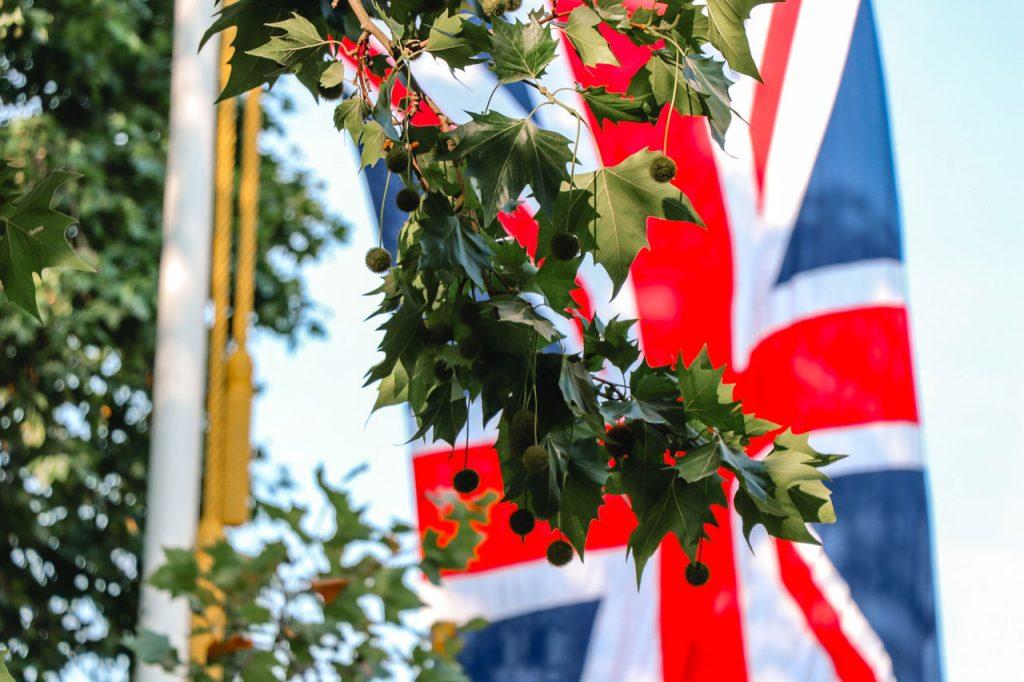 Buckingham-Palace-Road,-London,-United-Kingdom