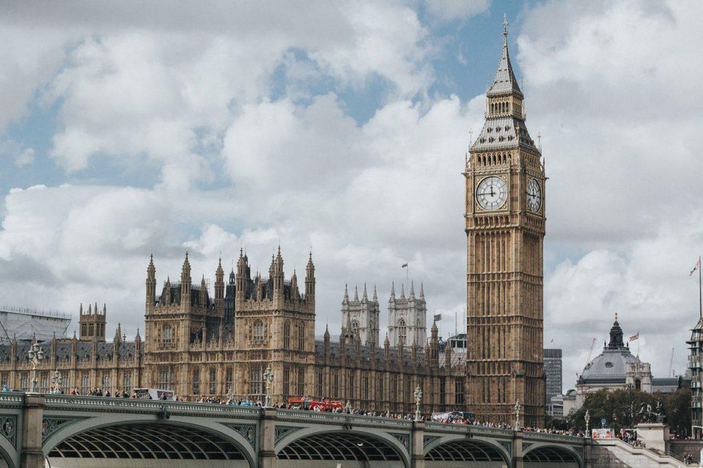دوره های بنیادی انگلستان